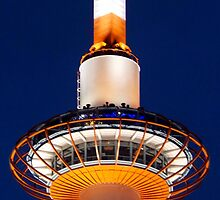 Kyoto Tower by phil decocco