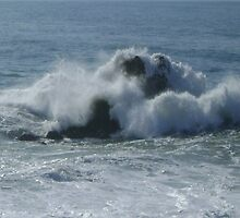 The strenght of the sea in a stormy afternoon by belisa