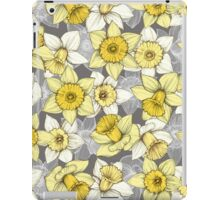 Daffodil Daze - yellow & grey daffodil illustration pattern iPad Case/Skin