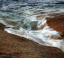 ebb flow. bicheno, tasmania by tim buckley | bodhiimages