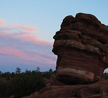 Balanced Rock at Garden of the Gods by Bill Hendricks