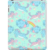 Vector seamless pattern with the unicorns, clouds and rainbow iPad Case/Skin