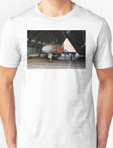 Phantom FGR.2 XV464/U in a Rubb Hangar T-Shirt