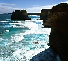 The Great Ocean Road Coastline by Paul Mayall