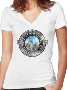 Distressed Geometric New York Cityscape  Women's Fitted V-Neck T-Shirt