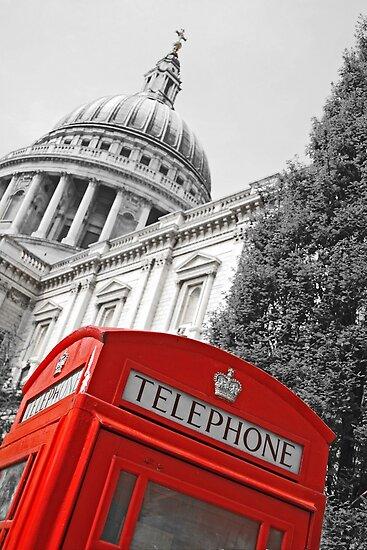 London phone box by Jeanne Horak-Druiff