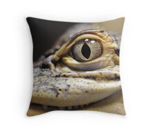 THE HUNTERS EYE Throw Pillow