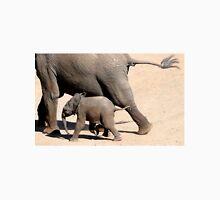 On the Run - African Elephant - Loxodonta africana Unisex T-Shirt