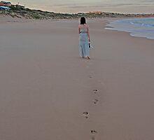 walking away by mummatotwo