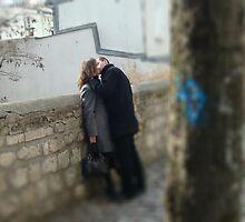 paris love by JamesRoberts