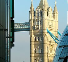Tower of London and buildings by JamesRoberts