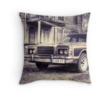 25.4.2010: 1977 Ford Country Squire II Throw Pillow