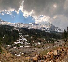 Along the valley by Stefan Trenker