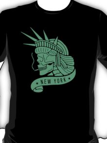 New York - Statue of Libery Skull (no background) T-Shirt
