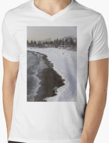 Snowy Winter Beach Patterns - Lake Ontario, Toronto, Canada Mens V-Neck T-Shirt