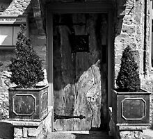 Rustic Door (The Royalist Hotel, Stow-on-the-Wold) by PaulHealey
