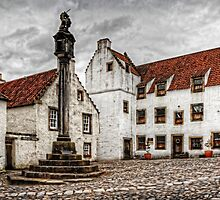 Culross Market Cross by Tom Gomez