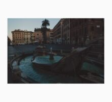 Rome's Fabulous Fountains - Fontana della Barcaccia at the Spanish Steps, Early Morning Kids Tee