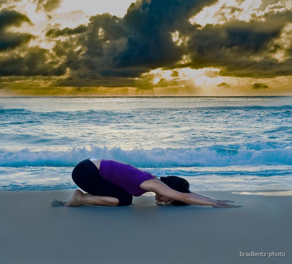 Beach Childs pose by bradlentz-photo