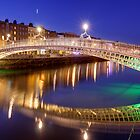 Ha&#x27;penny bridge, Dublin by Hauke Steinberg