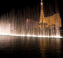 Falling light - Bellagio Water Dancing , Las Vegas by Adam Smith
