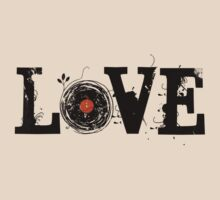 Love Vinyl Records - Grunge Vintage T Shirt by Denis Marsili - DDTK