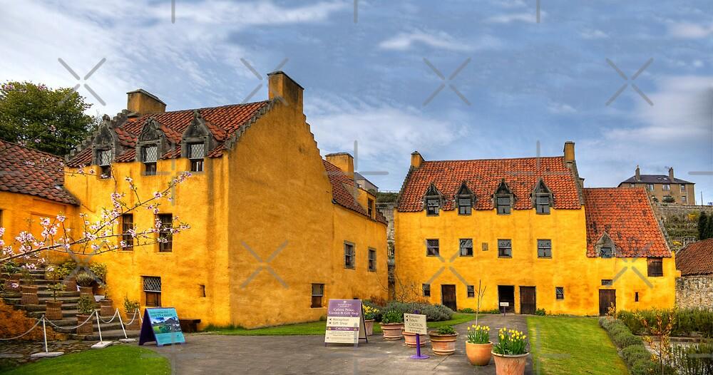 Culross Palace by Tom Gomez