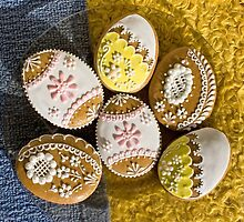 Easter Eggs, Gingerbread Cookies - Yellow Pink  by sitnica