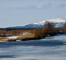 The Ounasjoki River by Katariina Lonnakko