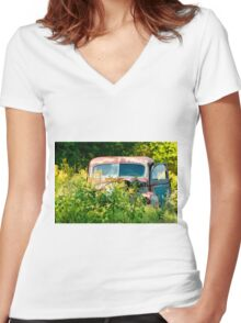 Old Betsy Women's Fitted V-Neck T-Shirt