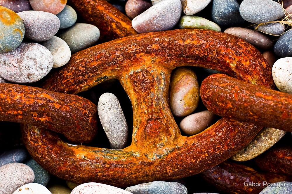 Rusty chain by Gabor Pozsgai