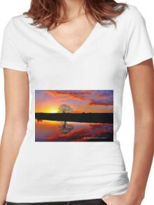 'Sunrise for the Soul' Women's Fitted V-Neck T-Shirt