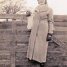 1935 My stylish mother  by Woodie