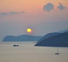 Sunset, Golfo Stella by itchingink