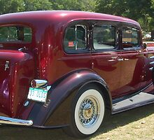 1933 Oldsmobile by JackieSmith