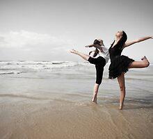 Lonely dancers by focusonu