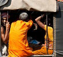 Haridwar:Dont like photographers? by Dinni H