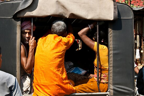Haridwar:Dont like photographers? by Dinni H