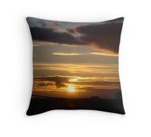 Sunset-Lake Reeve, Vic Throw Pillow