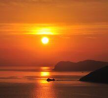 Sunset, Elba by itchingink