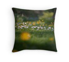 Daisy, Daisy... Throw Pillow