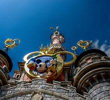Magic world...  by LauraBenassi
