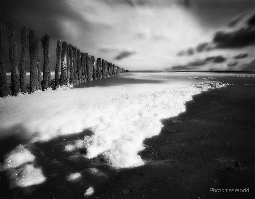 Shore or memory by PhotomasWorld