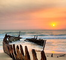 Shipwreck - Dickie Beach - Queensland - Australia by Frank Moroni
