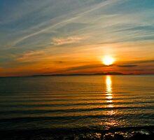 Arran - Setting Sun Reflections by derekbeattie