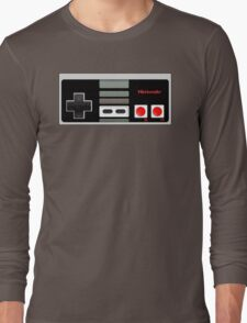 Classic old vintage Retro game controller Long Sleeve T-Shirt