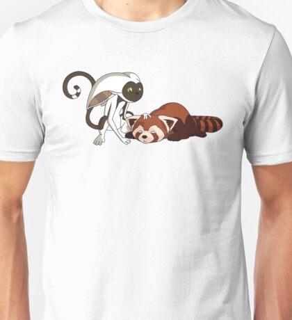 Momo petting Pabu Unisex T-Shirt
