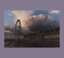 Sky Drama Around the London Eye Kids Tee