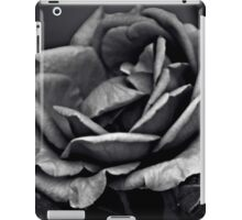 Mysterious Rose Black/White iPad Case/Skin