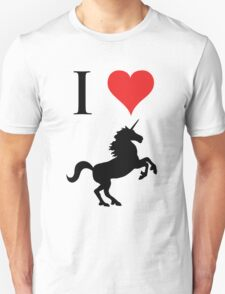 I Love Unicorns (black design) T-Shirt